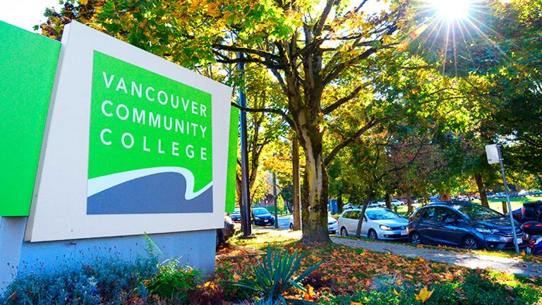 Chương trình Quản trị Kinh doanh của Trường Cao đẳng Cộng đồng Vancouver, Canada có Tỷ lệ Việc làm sau tốt nghiệp đạt 100%.