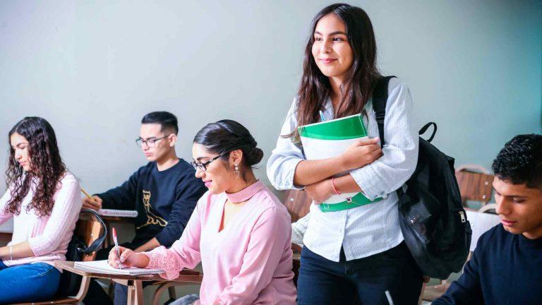 Khôi phục lại Study permit của bạn trước ngày 31/8/2021